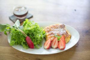 フレンチトーストと野菜